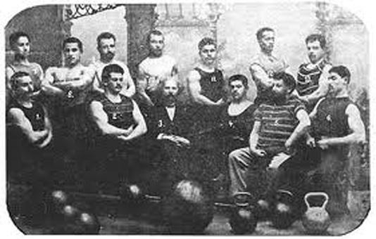 """Système StrongFirst, le passé et le présent - """"Cabinet Athlétique"""" du Dr Krayevsky"""