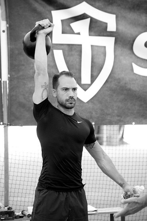"Stage ""Kettlebell : Deep Six"" - Press"