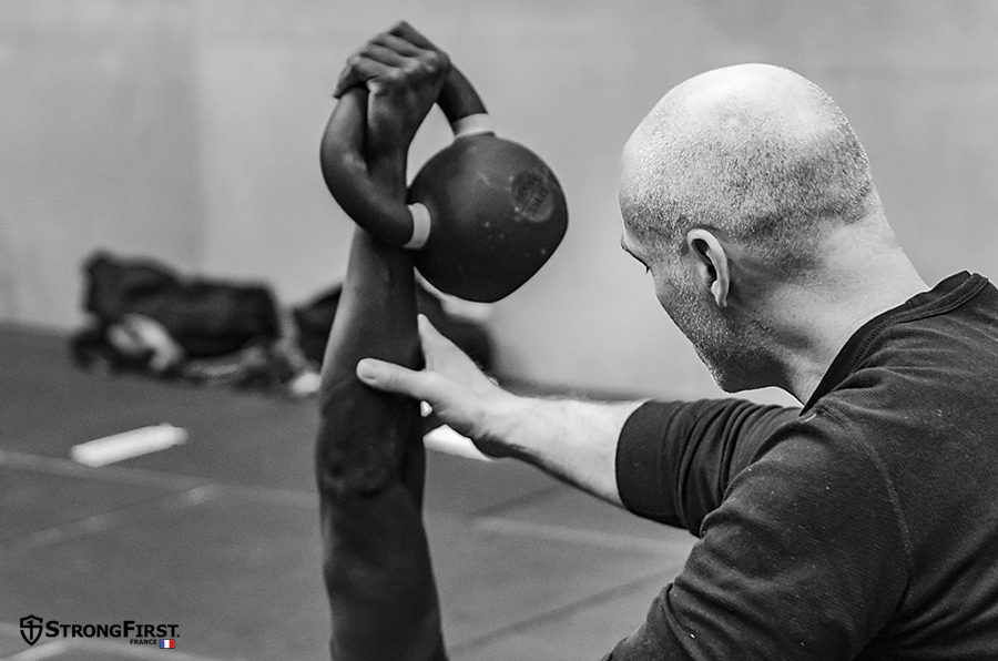 StrongFirst, école de force - instruction technique